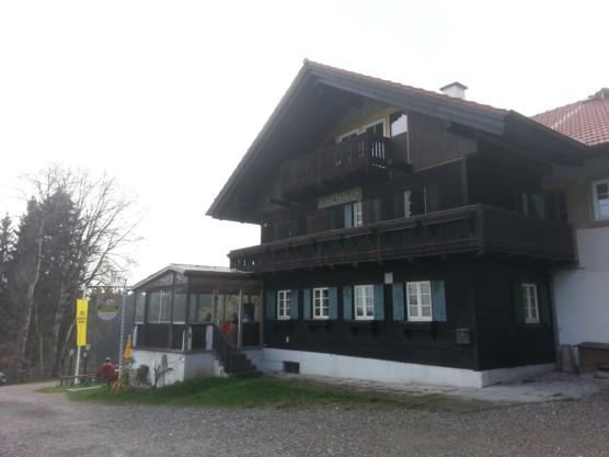 Schatzbergalm 01-556x417 in Die Schatzbergalm oberhalb von Dießen am Ammersee