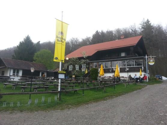 Schatzbergalm 02-556x417 in Die Schatzbergalm oberhalb von Dießen am Ammersee